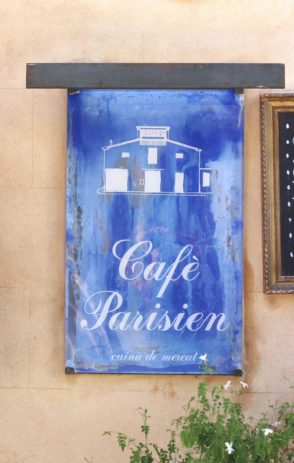 Holly Loves Paul Cafe Parisien in Artà