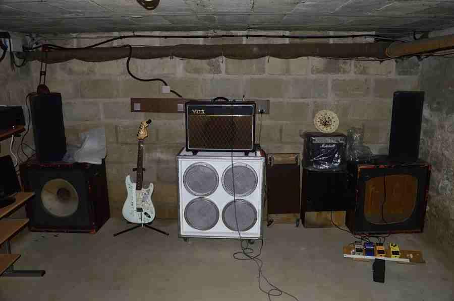 fender strato et vox ac micro studio un mini studio d 39 enregistrement la maison. Black Bedroom Furniture Sets. Home Design Ideas