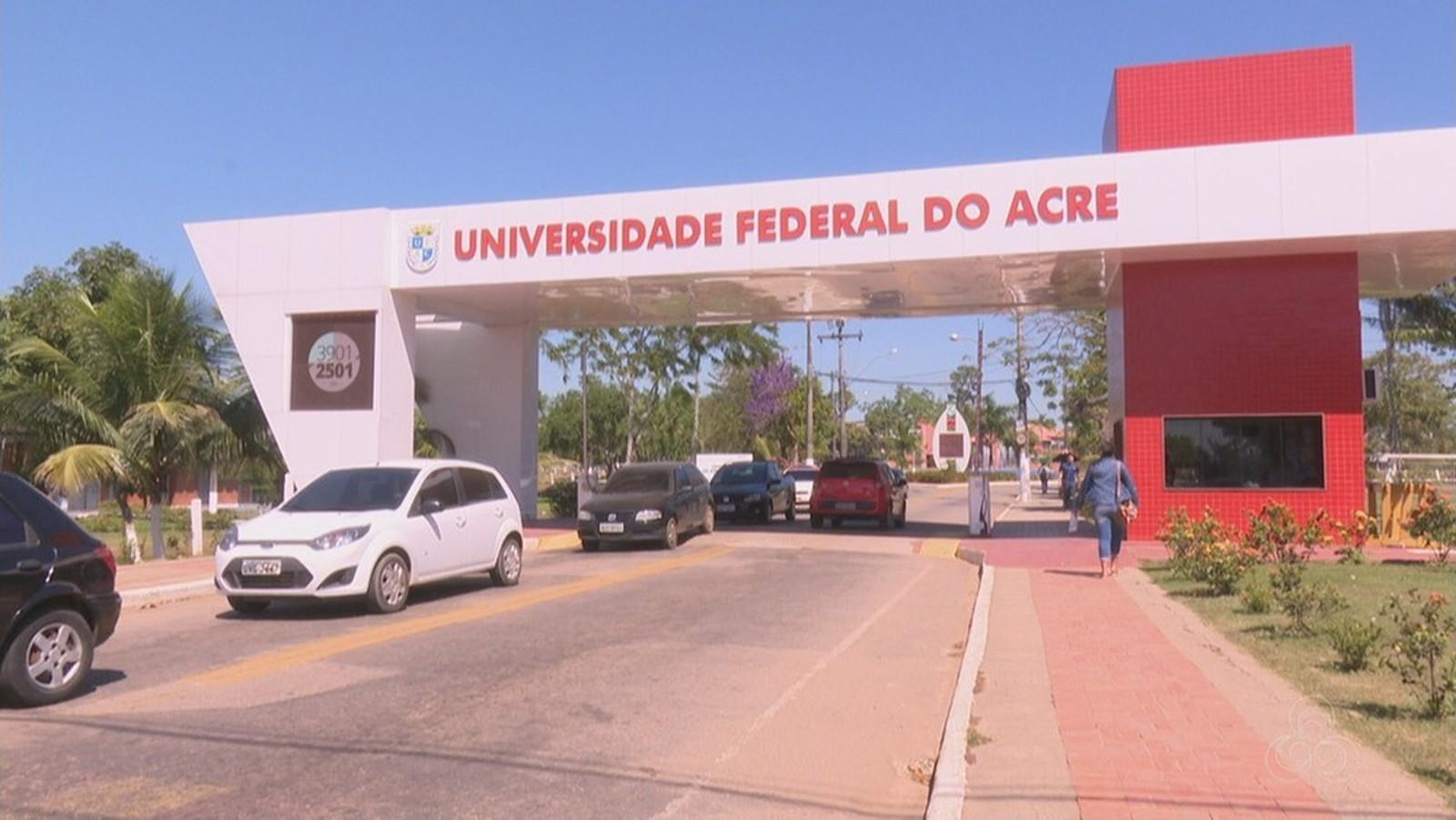 Universidade do Acre investiga professor após denúncia de homofobia em sala de aula