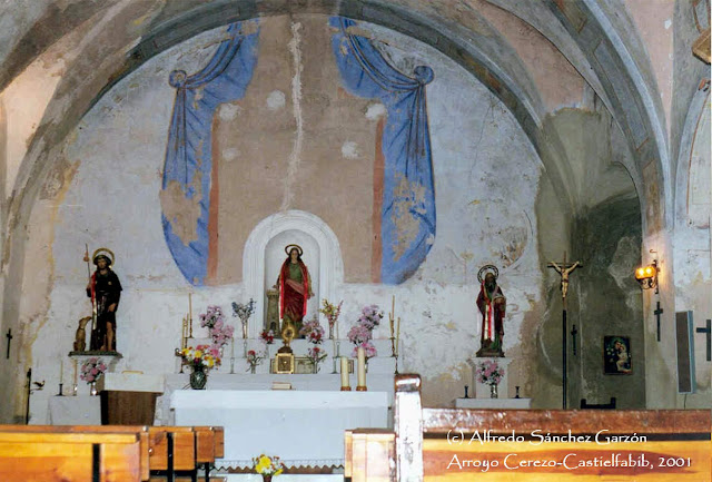 arroyo-cerezo-iglesia-san-joaquin-altar