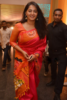 Anushka Shetty Beautiful Saree Stills, Sexy Anushka Heroine Hot 3