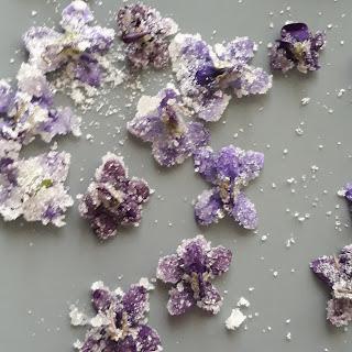 violette candite fatte a mano