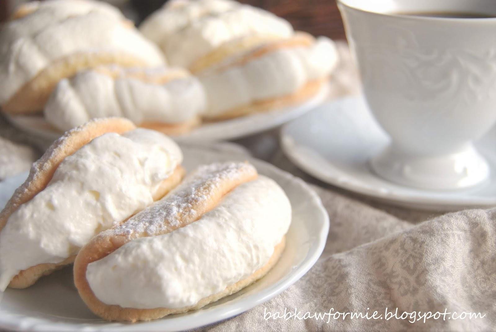 biskwity - biszkoptowe omlety z bitą śmietaną babkawformie.blogspot.com