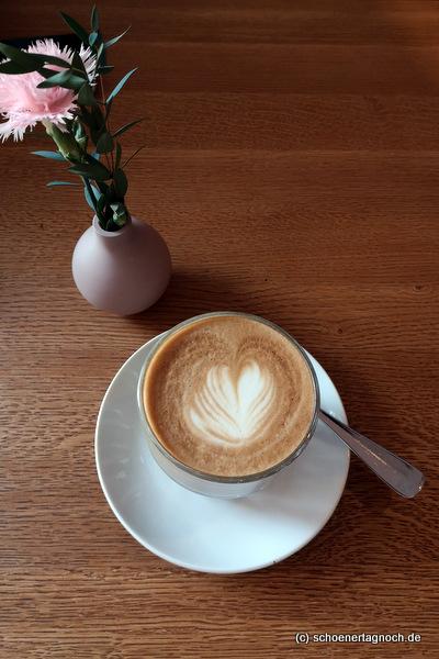 Cappuccino im Klauprecht in Karlsruhe