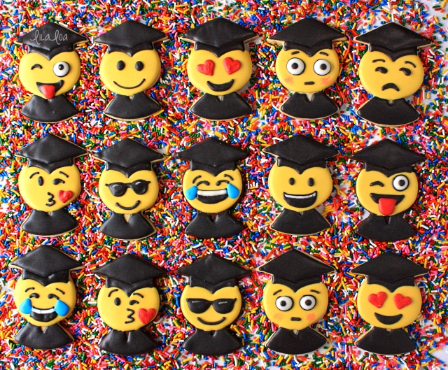 Emoji Graduate cookies -- cookie decorating tutorial