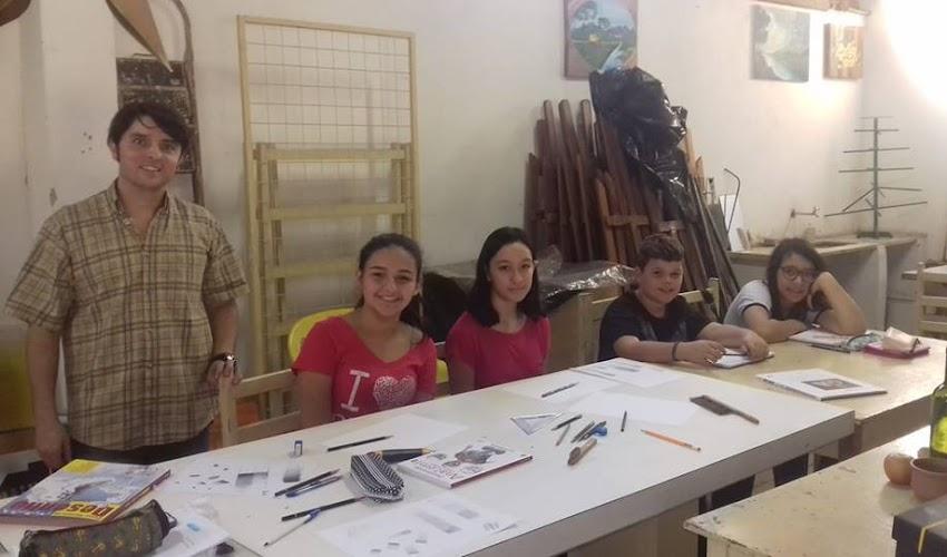 Waldir Bronson ministra Curso de Desenho na Casa de Artesanato