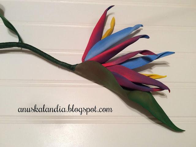 Flor-goma-eva-o-foamy-Ave-del-Paraíso-Anuskalanda