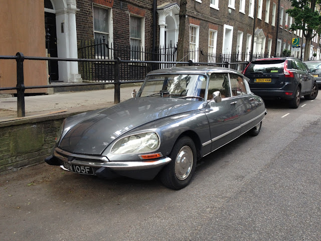 Old Citroen, Islington, London N1