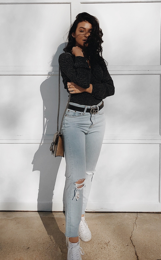 outfit of the day | bag + rips + sneakers + black blouse