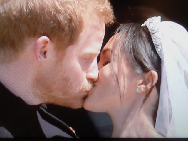royal wedding first kiss