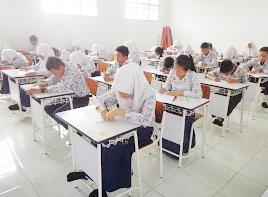 UNBK Bahasa Indonesia 2019 : Menentukan Makna Kata/Kalimat pada Teks