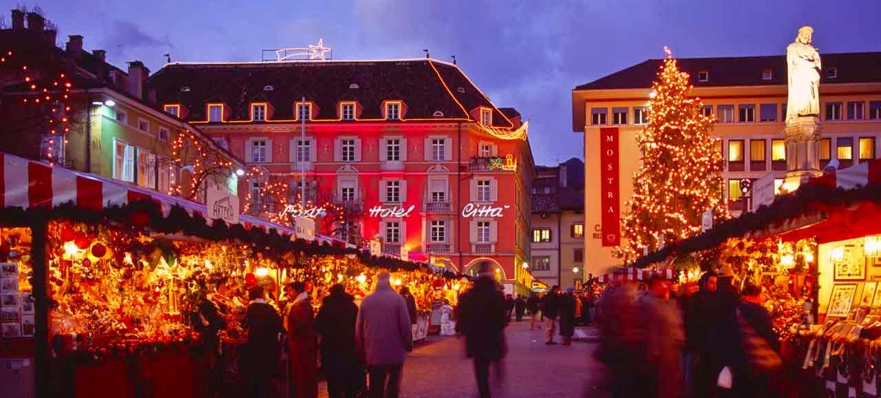 Mercatini Di Natale Bolzano Piazza Walther.Mercatino Di Natale Bolzano
