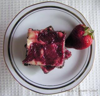 May bars3 Strawberries and Cheesecake Chocolate Bars