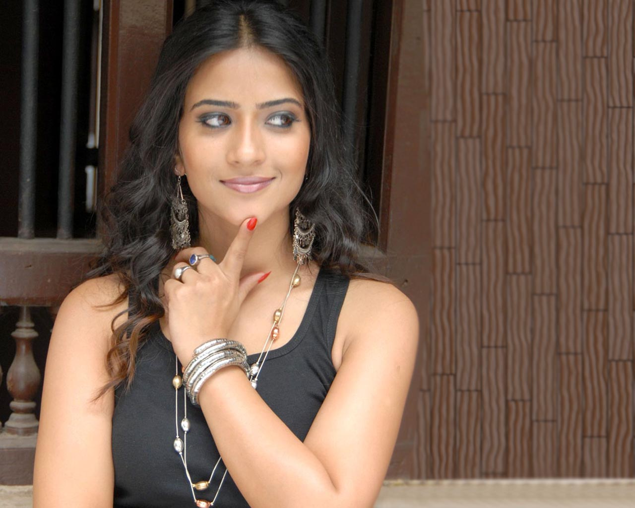 Cute N Sweet Hd Wallpapers Lovely Aditi Sharma Actress Wallpapers