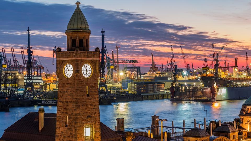 Porto de Hamburgo, Alemanha.