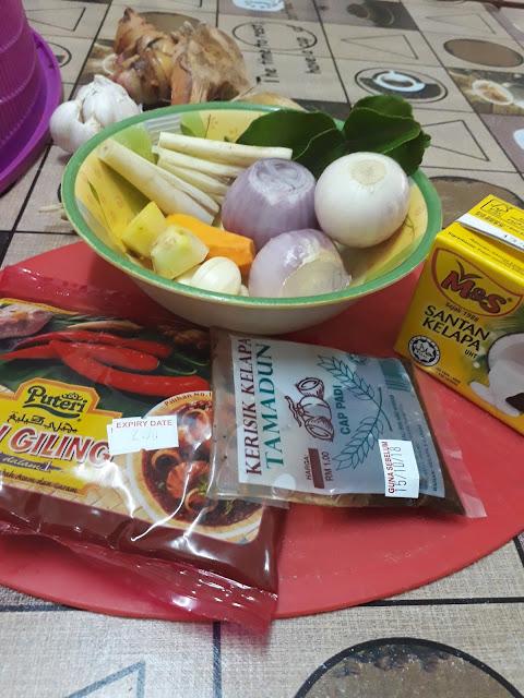 Resepi Ayam Gulai Siam