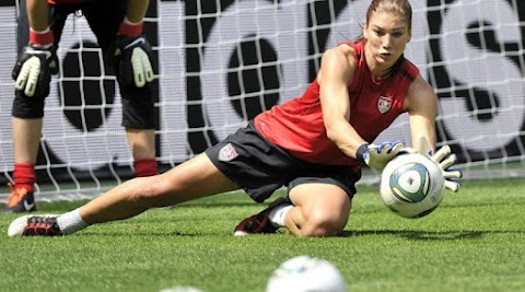 USA goalkeeper Hope Solo regrets leaking intimate pictures