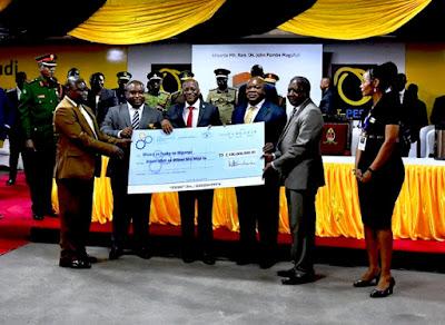 Magufuli Atoa Mwezi Mmoja Kwa Wasiotumia TTCL Serikalini