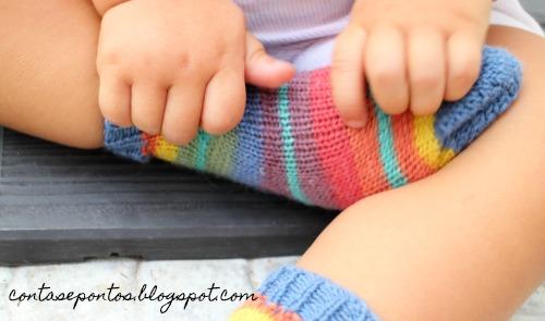meia de bebé em tricot