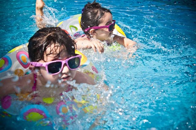 produits beauté, enfants, été, saison estival, heure du bain, crème, bio, soleil, vernis, bébé, plaisir
