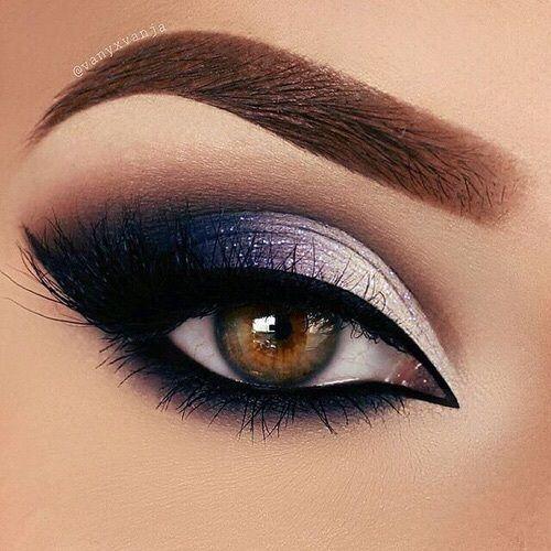 Para muitas pessoas maquiagem escura pode ser um pesadelo para fazer, mas não se engane, pois esse tipo de make é uma das mais fáceis, pois o foco é sempre mais os olhos. O importante é ter ideias das sombras que vai usar, pois se for escolher só na hora de fazer a make, você pode se atrapalhar nas cores e escolhe as erradas. Por isso separamos 10 makes para te ajudar, assim você escolhe a que quer fazer e não erra.