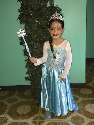 Sophia disfrazada de Frozen