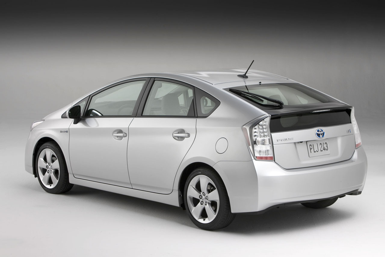 world of cars toyota prius hybrid images. Black Bedroom Furniture Sets. Home Design Ideas