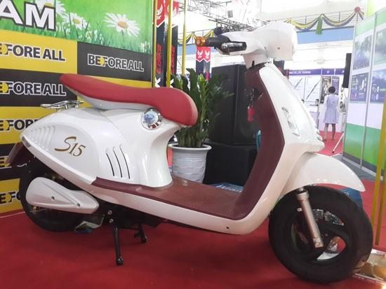 Xe máy điện Trung Quốc nhái Vespa 946 cao cấp