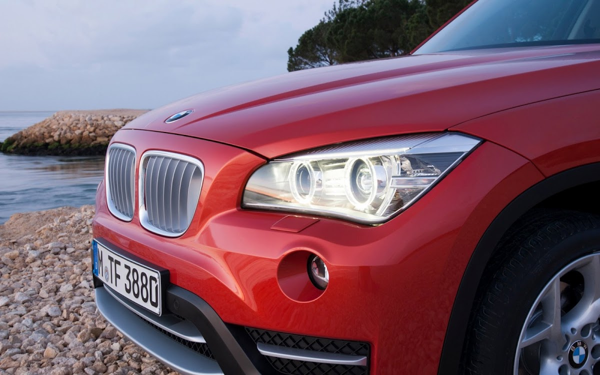 2013 BMW X1 Widescreen HD Wallpaper