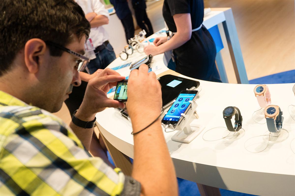 智慧手機防盜架,Gripzo手機展示防盜鎖,手機防盜展示架,手機防盜,平板防盜架