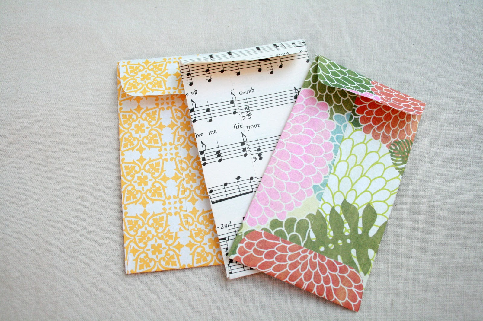 the creative place diy mini envelopes