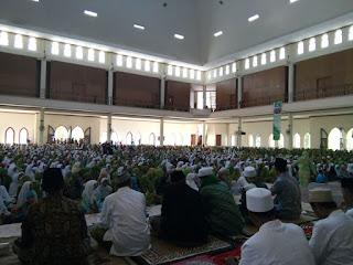 Ketua Muslimat NU Hadiri Halal Bihalal dan Harlah Muslimat NU ke-70 di Pamekasan