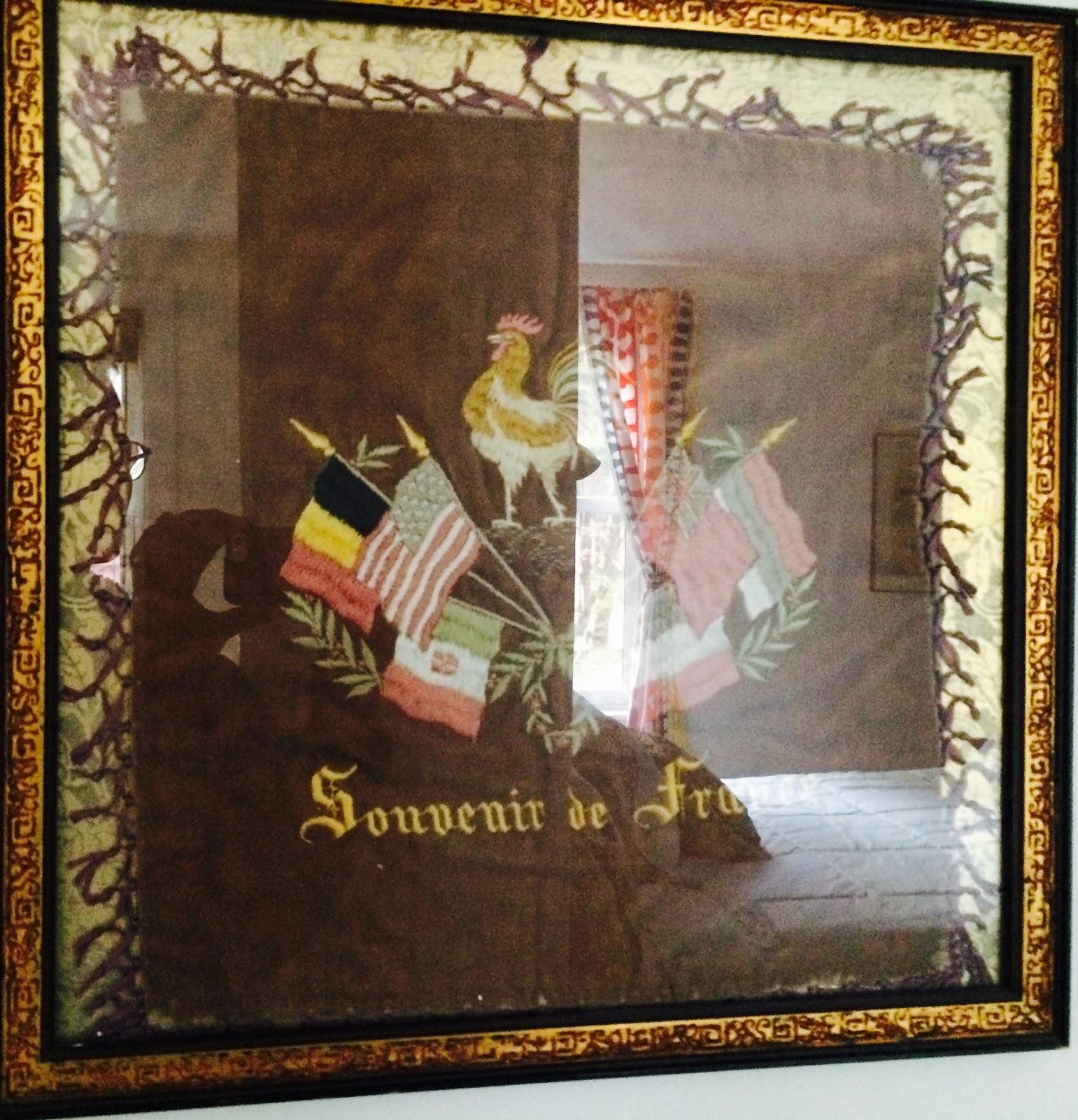 Je Suis En Terrasse artist in an a-frame : je suis en terrasse xox