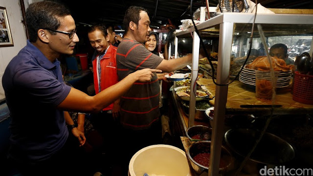 """Agar Menang Pilgub Sandiaga Ikuti Kebiasaan Jokowi """"Makan di Warteg"""""""