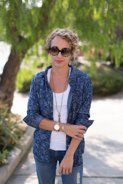 oversized sunglasses, denim chambray shirt