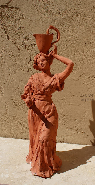 art, arte, kunst, sculpture, escultura, scultura, skulptur, Sarah, Myers, woman, water, pitcher, terracotta, red, earthenware, lady, baroque, contemporary, beautiful, elegant, figurative, artist, rapid, sculptor, sculpting, clay, earthenware, perfume, flask, vessel, agua, design, elegance, bottle, carry
