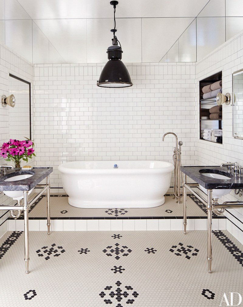 Home styling ana antunes celebrity rooms meg ryan 39 s soho loft for Architectural digest bathrooms 2016