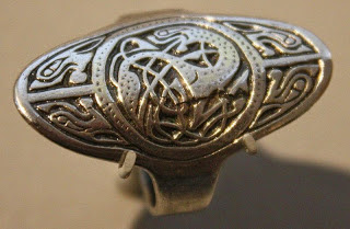 Silver Anglo-Saxon ring 775-850 Wikimedia Valerie McGlinchey