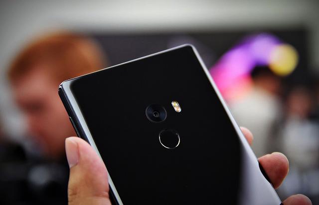 Đánh giá điện thoại Xiaomi Mi Mix (5)