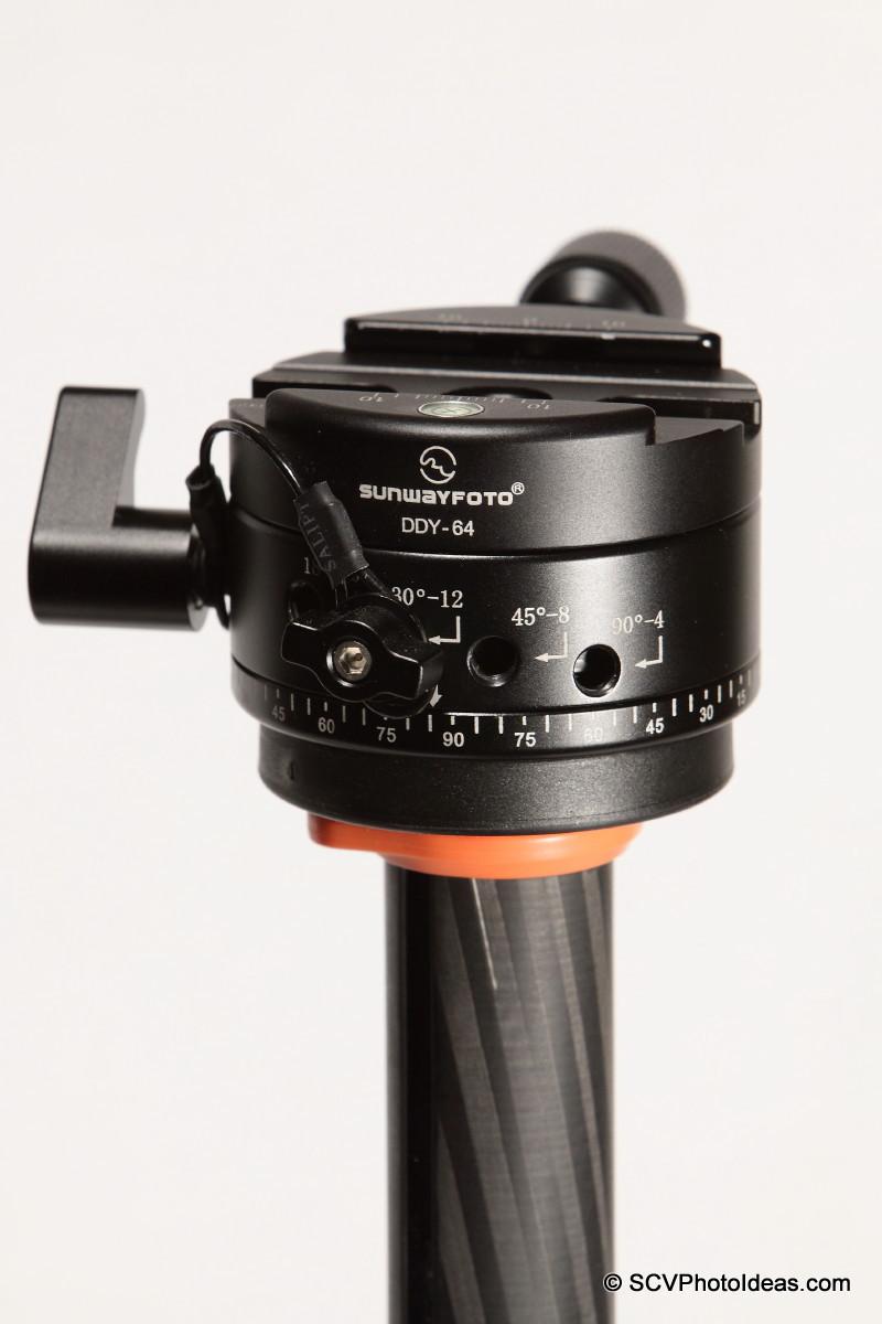 Sunwayfoto DDP-64S on tripod mounting plate