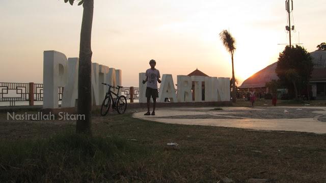 Landmark di Pantai Kartini, Jepara