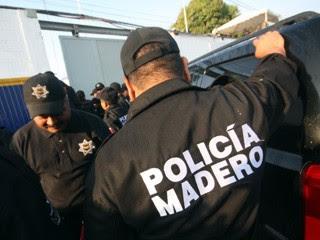 El juego de las palabras encadenadas-http://2.bp.blogspot.com/-m2n3GpS8p0c/T3Ih4CPP7hI/AAAAAAAAAHw/zrIVWthfIgo/s400/policias+metros.jpg