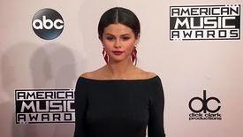 Selena Gomez supplie Justin Bieber de l'épargner dans sa mise-en-boîte