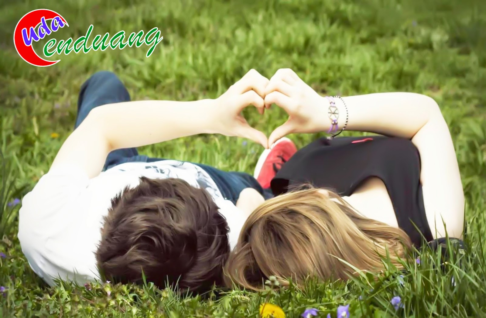 Kumpulan Status Fb Cinta Romantis Buat Pacar Terbaru