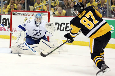 NHL : Young Goalies for Lightning, Penguins