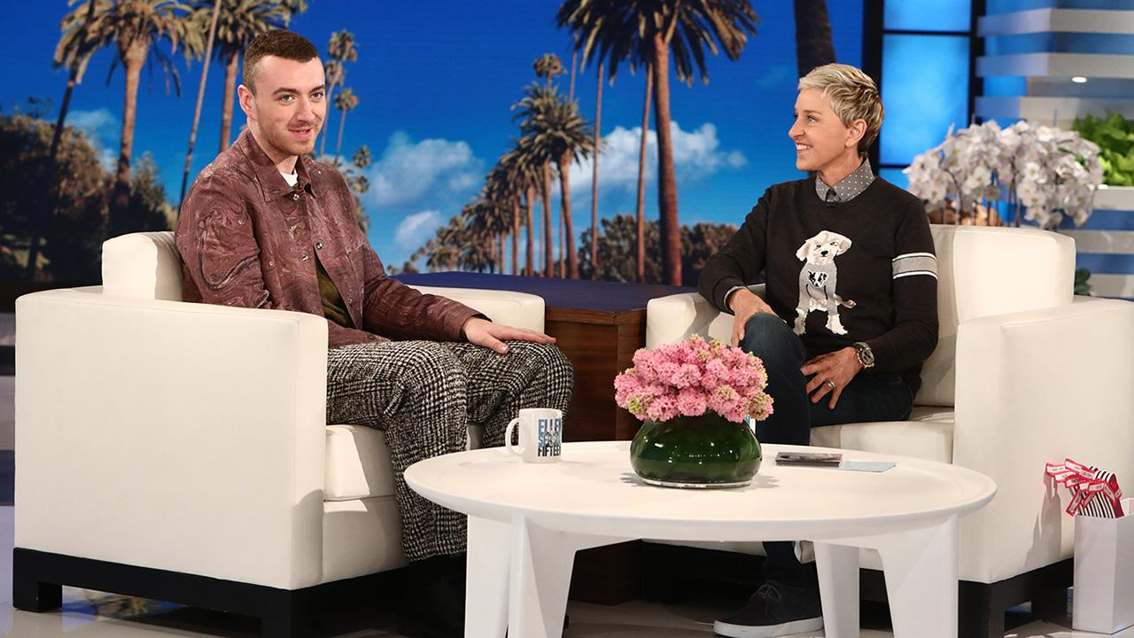 Sam Smith confirma namoro com ator de '13 Reasons Why'