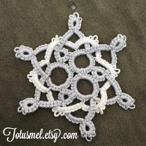 http://totusmel.blogspot.com/2015/11/threes-snowflake-pattern.html