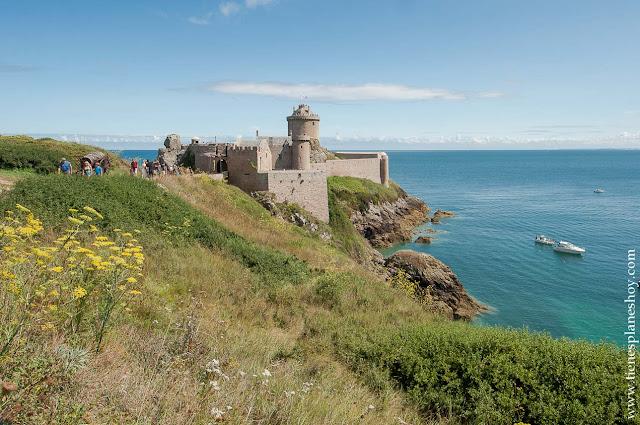 Fort la Latte castillo bonito Bretaña viaje Francia