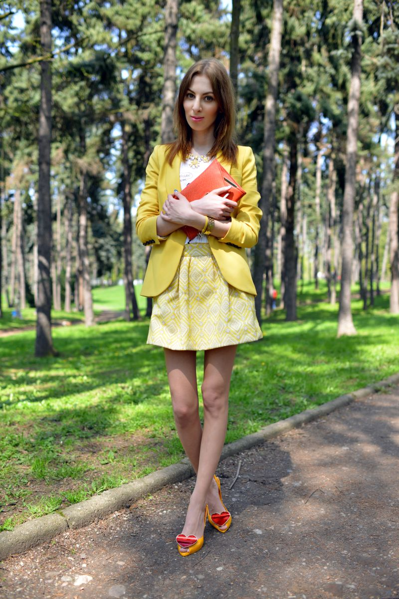 61ed8a3205 YELLOW JACKET AND SKIRT+ HEART SHOES