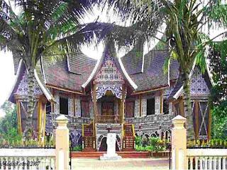Istana Silnduang Bulan di Pagaruyung